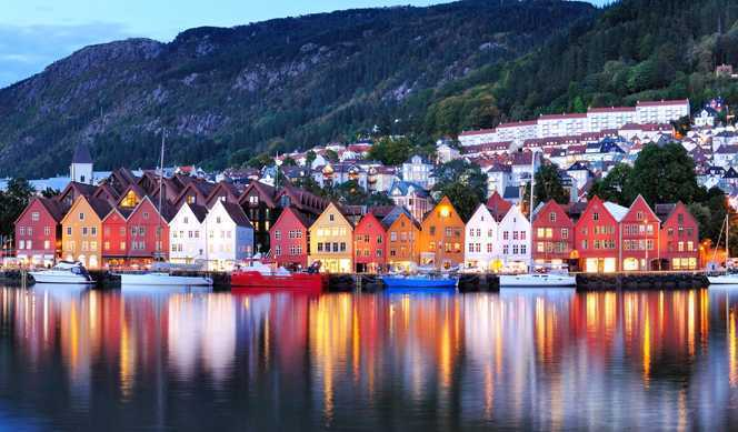 Voyage Classique aller-retour : Bergen - Kirkenes - Bergen avec Hurtigruten