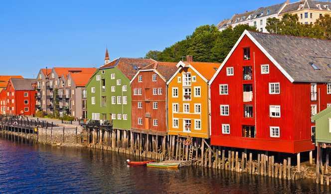 Bergen-Kirkenes-Bergen avec accompagnateur 2020 avec Hurtigruten