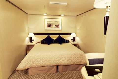 Superficie: 13 à 21 m². 2 lits, salle de bains avec douche.