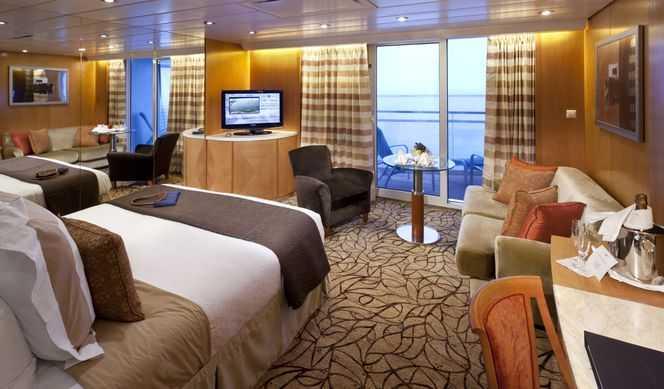 2 lits ou 1 grand lit, espace salon avec salle à manger, salle de bain avec baignoire, balcon privé.
