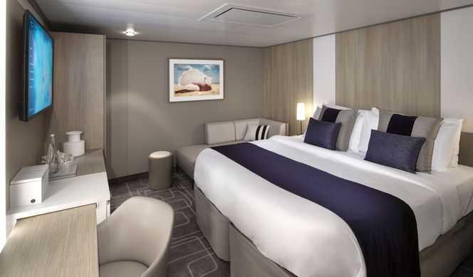 2 lits bas ou 1 grand lit, télévision interactive à écran plat, espace salon, coffre-fort, mini-bar salle de bains privée, produits de bain sur mesure.