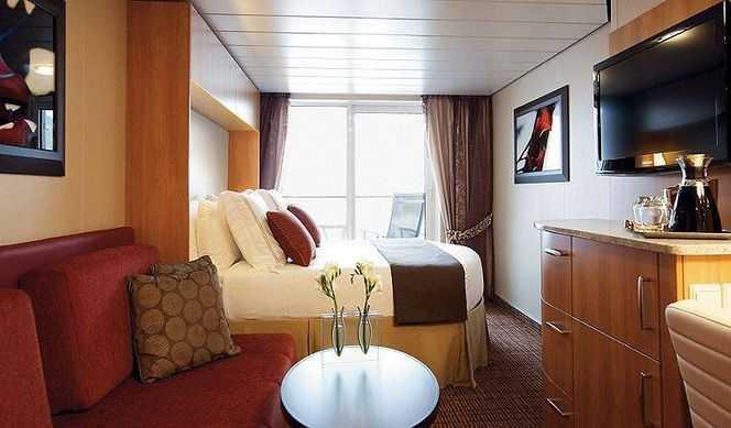 Superficie, balcon inclus à partir de 23m², 2 lits séparés convertibles en lit queen size, Télévision, baignoire dans la salle de bain, salle de séjour avec coin salon.