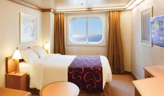 2 lits individuels convertibles en un lit double, coin salon, Télévision, coffre-fort, salle de bain privée avec sèche cheveux, climatisation individuelle.