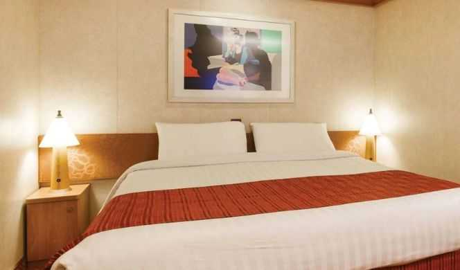 2 lits individuels convertibles en un lit double, Télévision, coffre-fort, salle de bain privée avec sèche cheveux, climatisation individuelle.