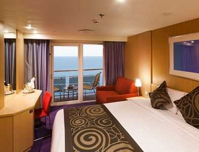 Les grands balcons donnant sur la mer vous offrent chaque jour un  nouveau panorama, baigné de soleil ou au clair de lune. Avec tout le  confort propre aux cabines des navires Costa.