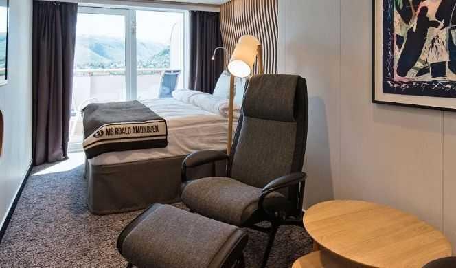 Les cabines de la catégorie Arctic Supérieures offrent un hébergement confortable et spacieux. La plupart de ces cabines disposent d'un balcon, d'un lit double transformable, des canapés-lits et la télévision. Le service en Arctic Supérieures inclut un nécessaire de toilette, bouilloire, thé et café. Cette catégorie peut accueillir de 2 à 4 passagers.