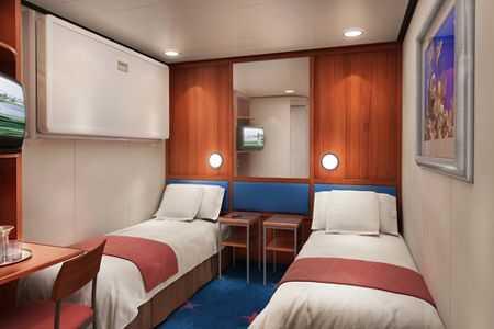 Superficie: 13m², 2 lits bas convertibles, salle de bain avec douche, TV, climatisation, sèche-cheveux.