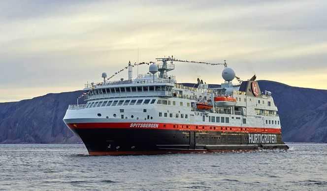Navigation au-delà du 80° Nord vers l'Arctique Russe avec Hurtigruten