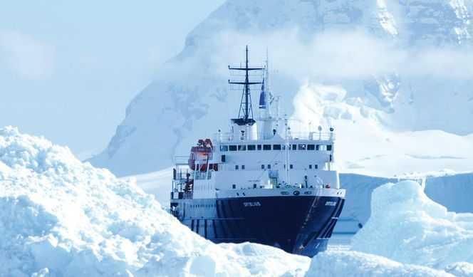 Péninsule Antarctique avec Grands Espaces