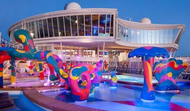 Allure of the Seas piscine