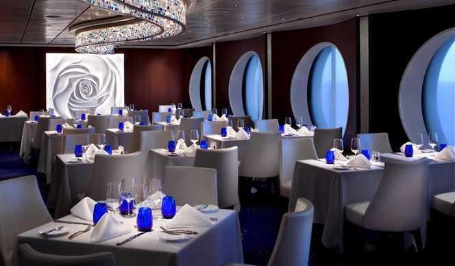 Restaurant principal, 8 Restaurants de spécialités (parfois avec suppléments), Œnothèque, 7 Bars, Glacier...