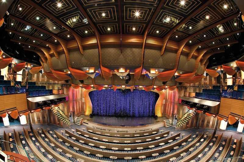 Casino , Discothèque... Les passagers du Costa Deliziosa profitent de soirées particulièrement animées. Le navire dispose en effet d'un nombre impressionnant d'équipements de divertissement tels que les théâtres, les bars, les bibliothèques et autres salles de spectacles. Les amateurs de jeux de casino seront également ravis à bord de ce paquebot dans la mesure où celui-ci dispose de salle de jeux. Il est par conséquent possible de tenter sa chance à la roulette ou aux machines à sous.