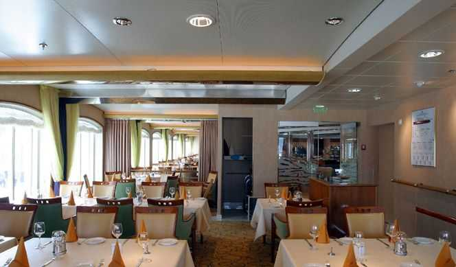 Restaurant principal,  Buffet,  Bar,  Cafétéria...