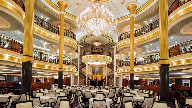 Restaurant principal, Buffet, 17 Restaurants de spécialités (parfois avec suppléments), Œnothèque, 15 Bars, Cafétéria, Glacier, Bar à cigares...