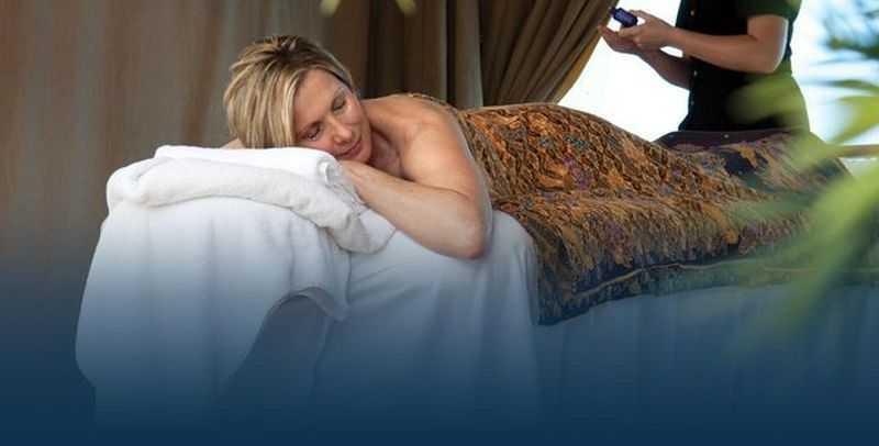 Massage,  Réflexologie,  Sauna,  Hammam,  Salle de fitness,  Coach personnel,  Salon de beauté,  Coiffeur...