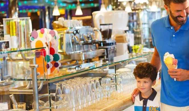 13 Restaurants, dont le Teppanyaki, la pizzeria Pummid'Oro, le restaurant familial « Tutti a Tavola » et le LAB - Atelier Cuisine. 19 bars, dont le Spazio Bollicine de Ferrari Spumante, un bar Aperol Spritz, l'élégant bar Campari, le Bar Sport,un café Nutella, deux glaciers Amarillo...