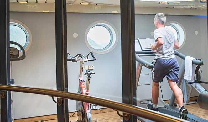 Solarium, Sauna, Bains à remous, Salle de fitness...