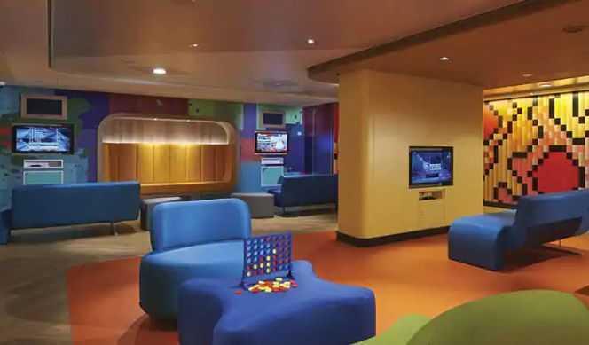 Aire de jeux en plein air, Club enfants, Espace ados, Mini-club...
