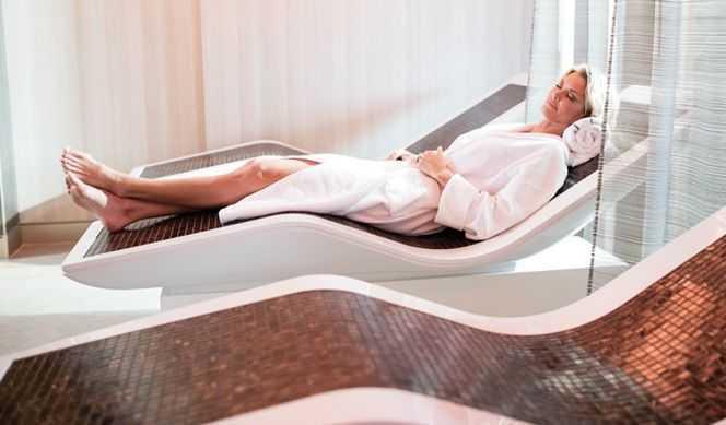Massage, Sauna, Hammam, Salle de fitness, Coach personnel, Salon de beauté, Coiffeur...
