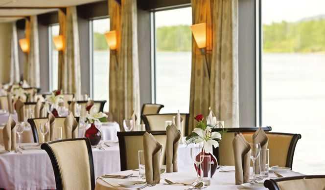 Restaurant Panoramique,  Bar & Lounge Panoramiques, Lido Bar...